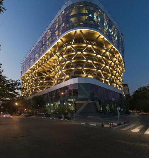 فروش۹۰۰متر رستوران برند در طبقه ۹ برج نیاوران