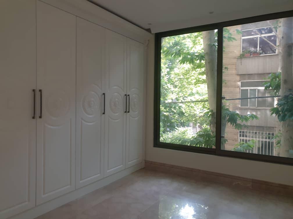 فروش آپارتمان ۱۳۰متری در قلب دروس کلید نخورده